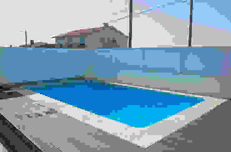Pool by Soleo, Modern