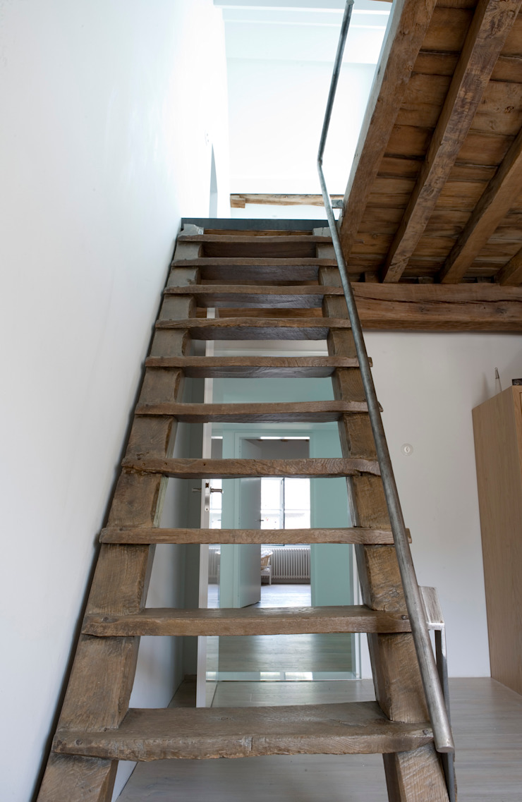 Modern Corridor, Hallway and Staircase by ZOOM.INDUSTRIES Modern