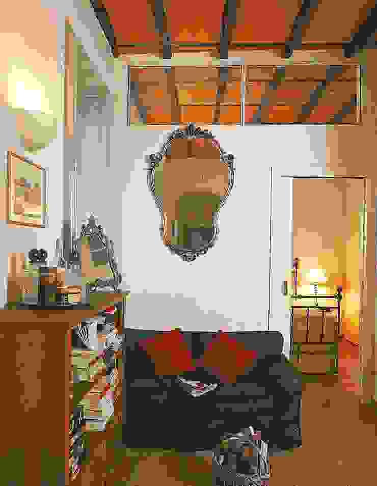 Salas modernas de Fabio Carria Moderno