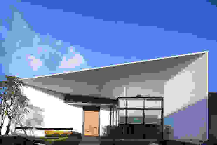 入口立面 根據 Arcadian Design 冶鑄設計 現代風