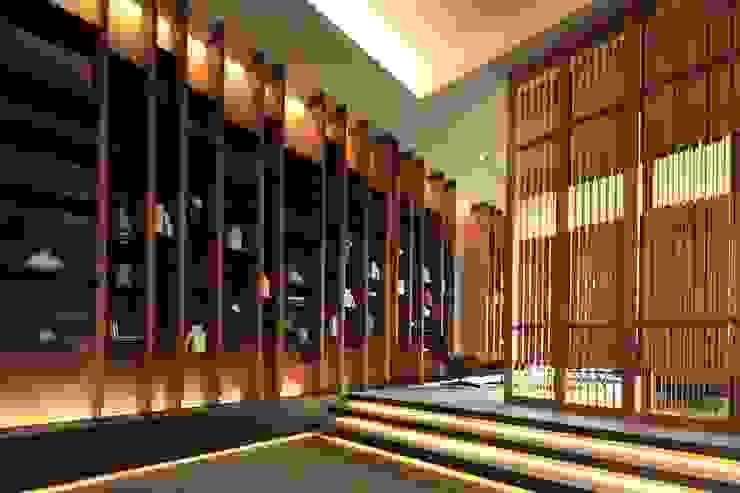 大廳牆面 根據 Arcadian Design 冶鑄設計 現代風