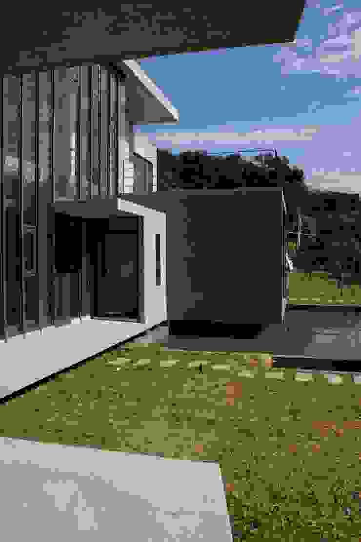 新埔 休閒別墅 現代房屋設計點子、靈感 & 圖片 根據 大也設計工程有限公司 Dal DesignGroup 現代風