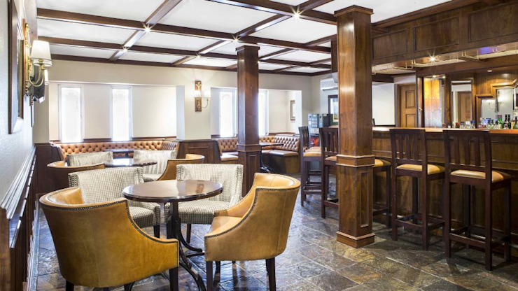 The Falstaff Hotel - Bar by Nowadays Interiors Colonial