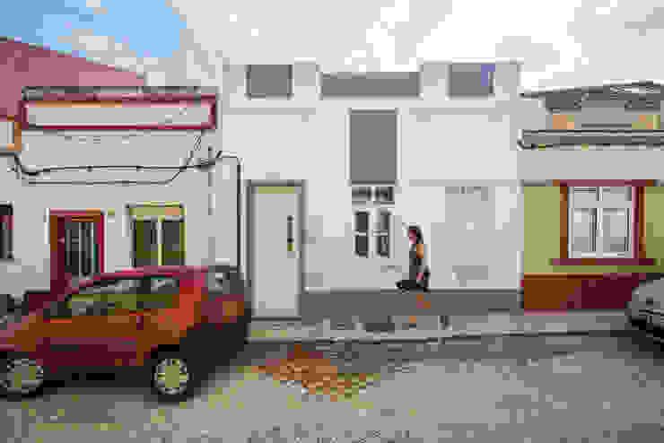 Houses by studioarte, Minimalist Bricks