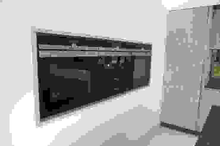 modern  by PTC Kitchens , Modern