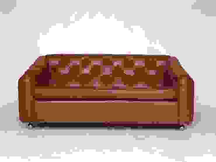Sofa من studioarte تبسيطي