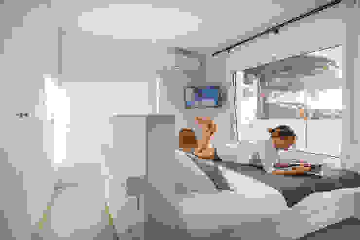 Double bedroom Dormitorios de estilo minimalista de studioarte Minimalista
