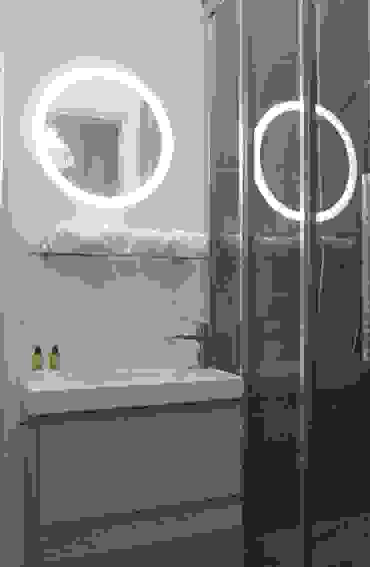 Aménagement D'un appartement LYON Salle de bain moderne par AL Intérieurs Moderne