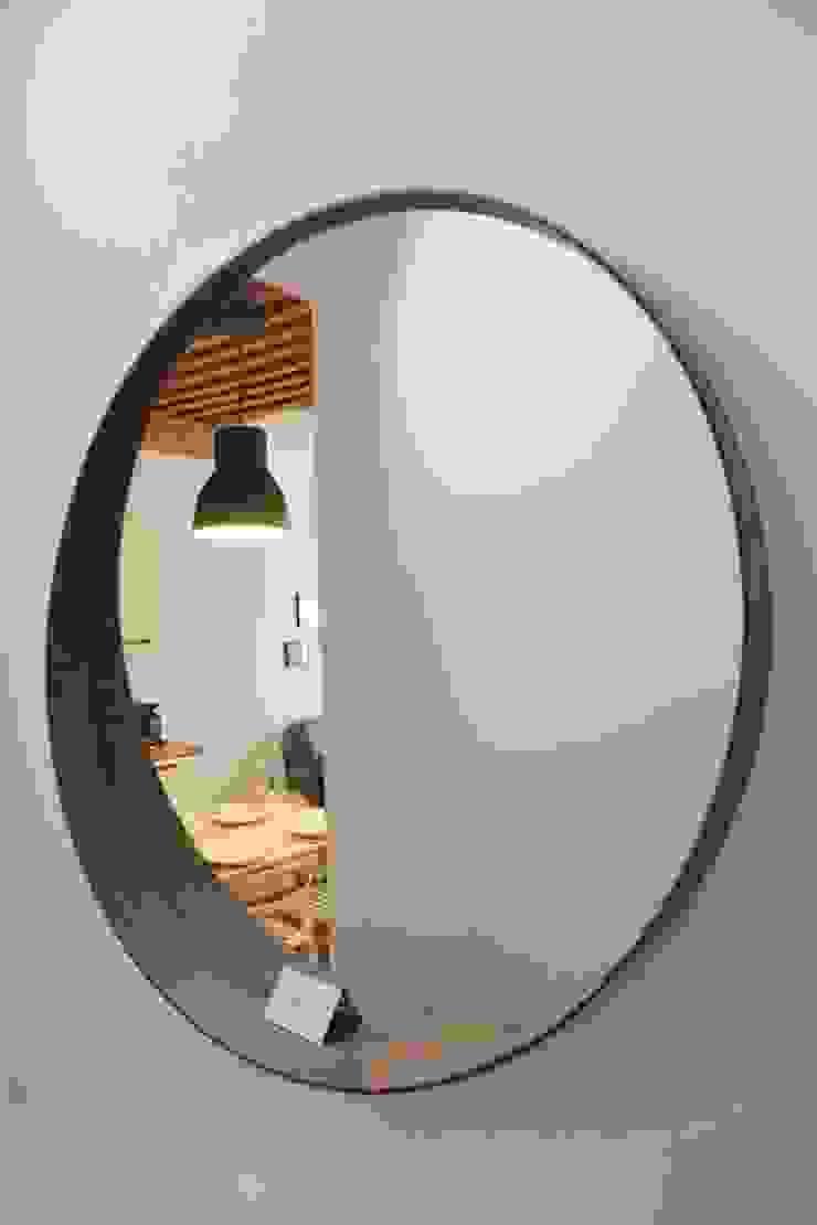 Aménagement D'un appartement LYON Couloir, entrée, escaliers scandinaves par AL Intérieurs Scandinave