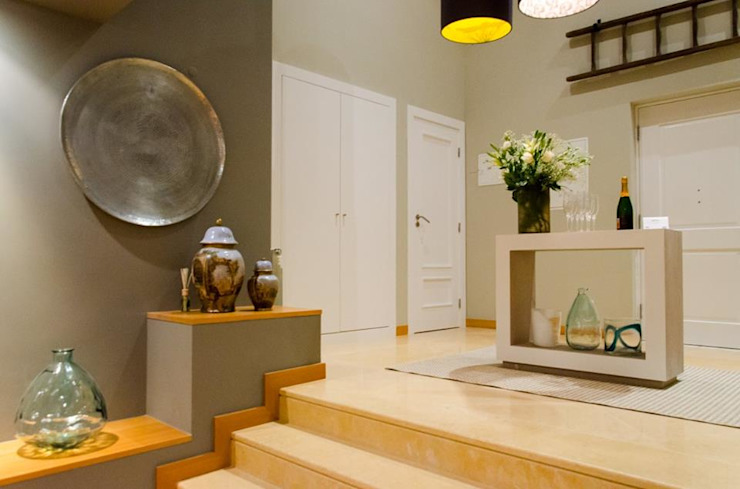A touch of SA interior in Portugal Modern Corridor, Hallway and Staircase by Kim H Interior Design Modern