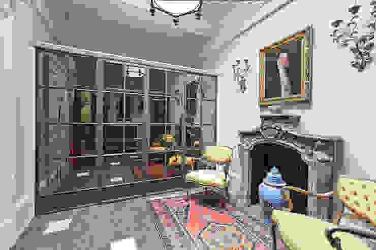 Bronze Screens with antique mirrored glazing Architectural Bronze Ltd Finestre & PortePorte Rame / Bronzo / Ottone Marrone