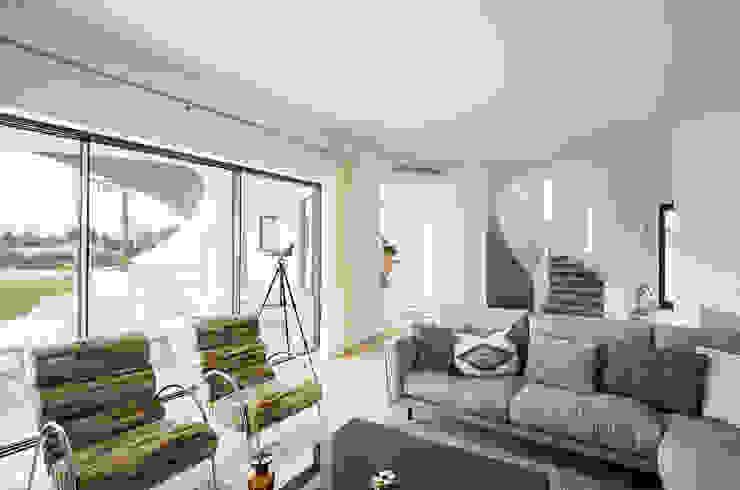 Living Livings modernos: Ideas, imágenes y decoración de studioarte Moderno