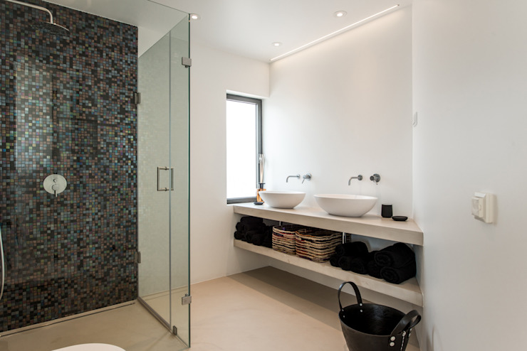 Bathroom Modern bathroom by studioarte Modern