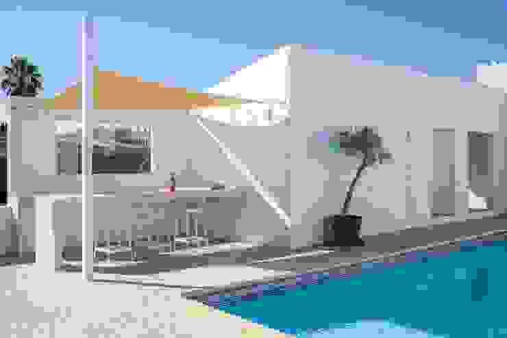 Outdoor Bar Varandas, marquises e terraços minimalistas por studioarte Minimalista
