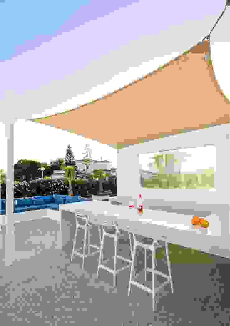 Poolbar Jardins minimalistas por studioarte Minimalista