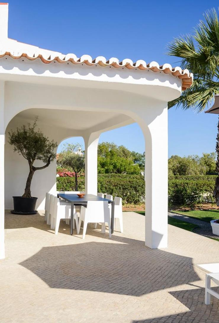 Outdoor terrace Varandas, marquises e terraços minimalistas por studioarte Minimalista