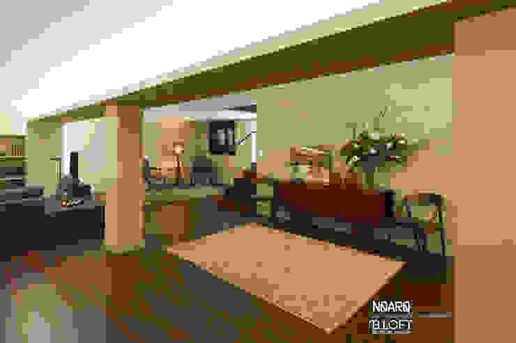 Espaço de apoio às refeições Salas de estar clássicas por B.loft Clássico