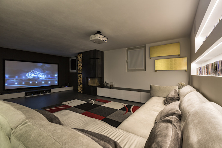 Modern style media rooms by Elia Falaschi Fotografo Modern