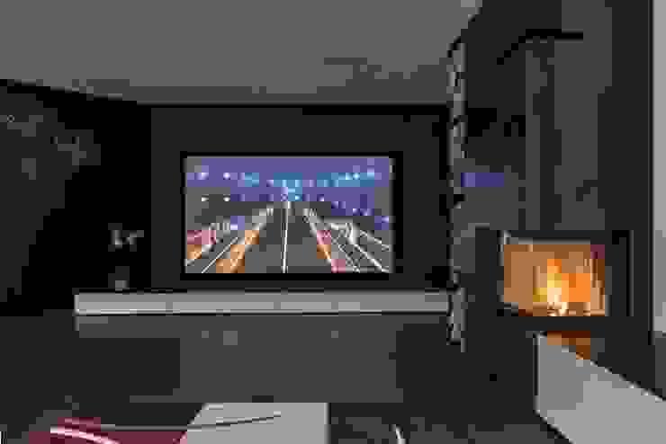 Salas multimedia de estilo moderno de Elia Falaschi Fotografo Moderno