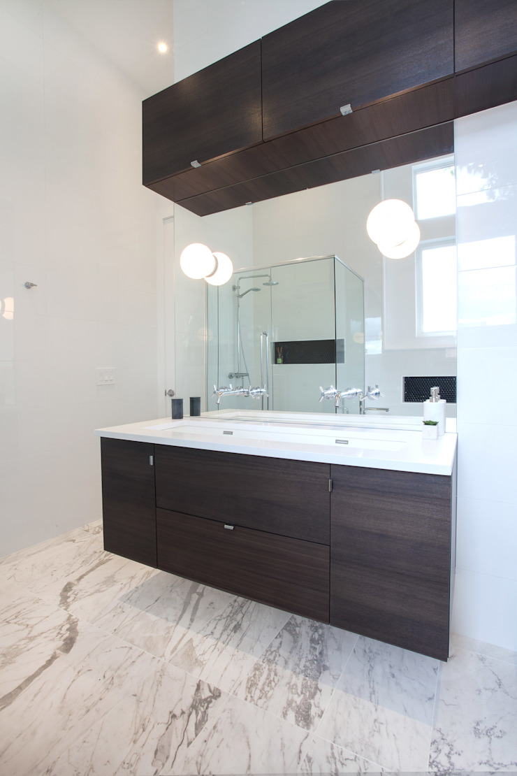 McKellar Park New Home Modern bathroom by Jane Thompson Architect Modern Marble