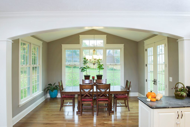 Shaker Heights Colonial style dining room by New Leaf Home Design Colonial