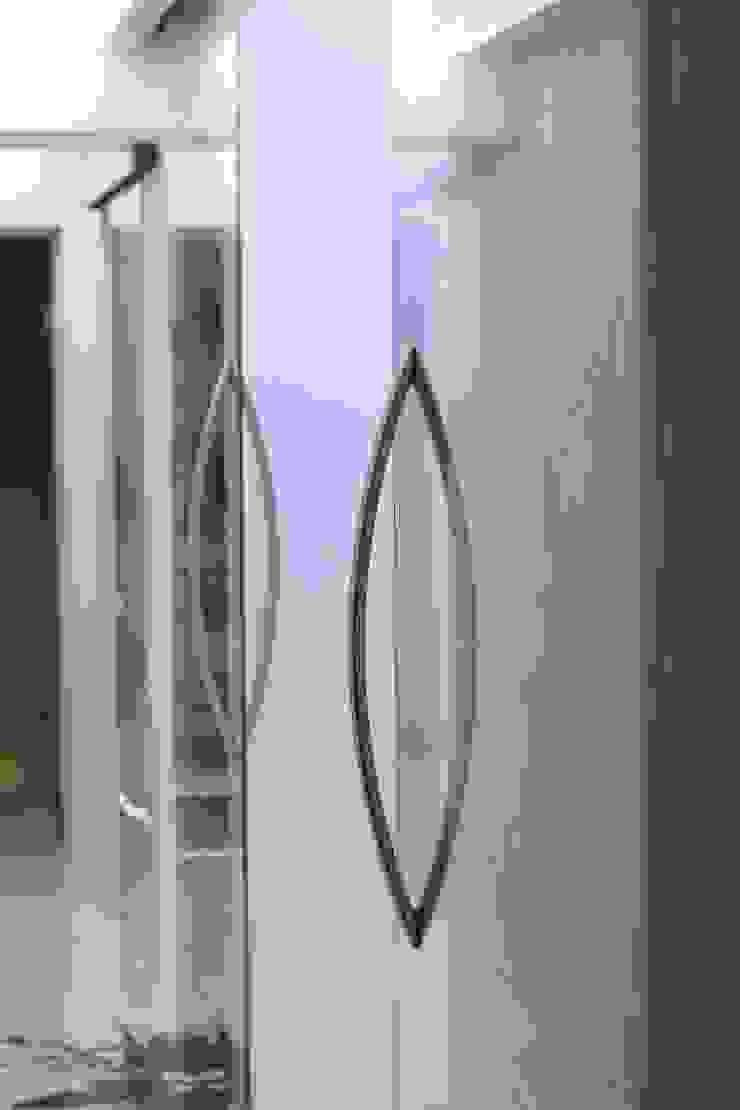YOUR PROJECT Couloir, entrée, escaliers minimalistes
