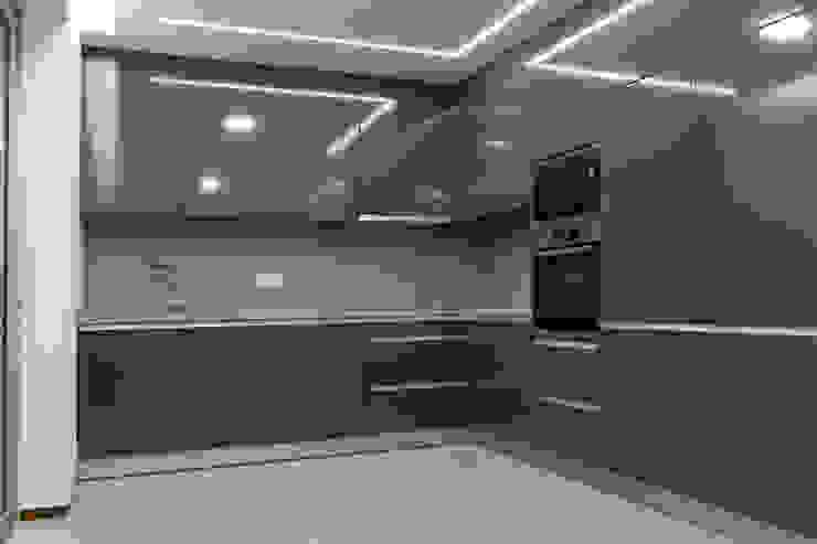 Empreendimento LUZIA VILLAS | Edifício Multifamiliar Cozinhas modernas por Valdemar Coutinho Arquitectos Moderno
