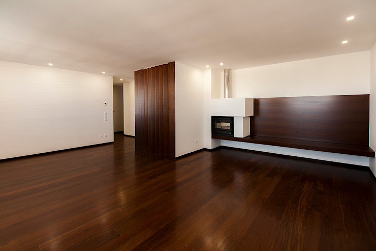 Empreendimento LUZIA VILLAS | Edifício Multifamiliar Salas de estar modernas por Valdemar Coutinho Arquitectos Moderno