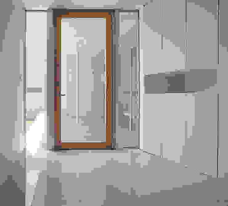 薩摩川内の住宅 モダンスタイルの 玄関&廊下&階段 の アトリエ環 建築設計事務所 モダン