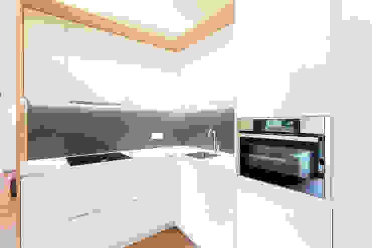 Free Z Cucina minimalista di Lemayr Thomas Minimalista
