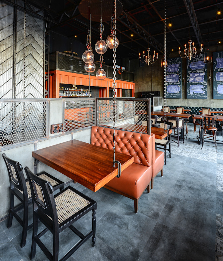 Industrial style bars & clubs by Studio K-7 Designs Pvt. Ltd Industrial