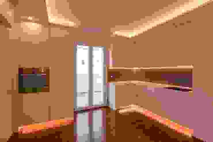 Cozinhas modernas por yesHome Moderno
