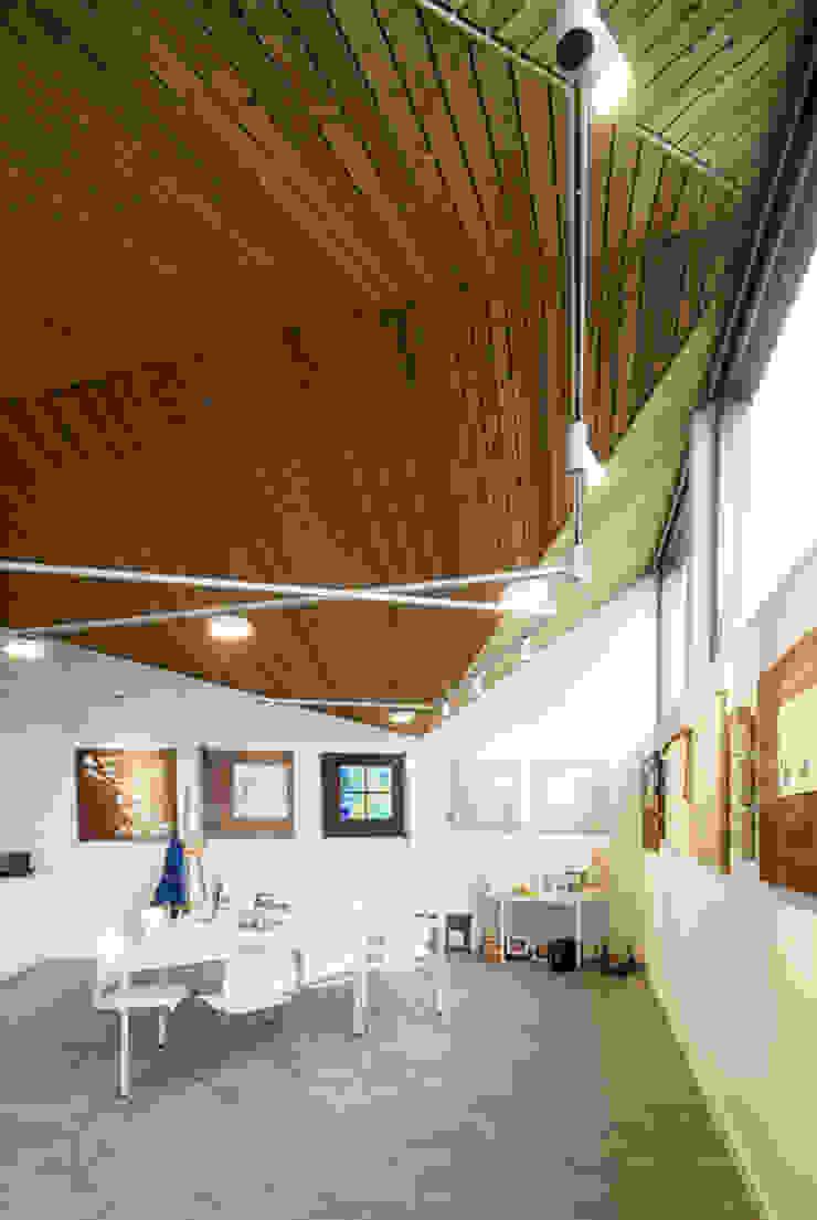 Interieur: Poolhouse / Atelier Moderne studeerkamer van [delacourt][vanbeek] Modern
