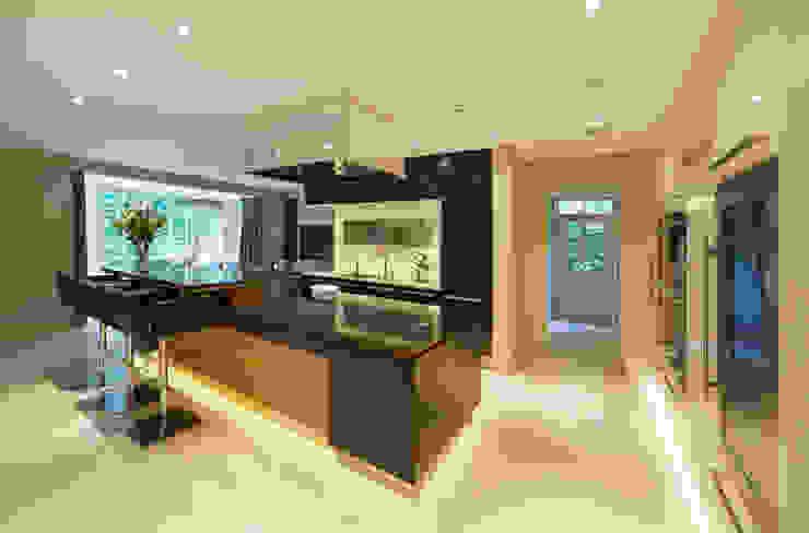 Hadley Wood Refurb The Wood Works 現代廚房設計點子、靈感&圖片 木頭 Brown