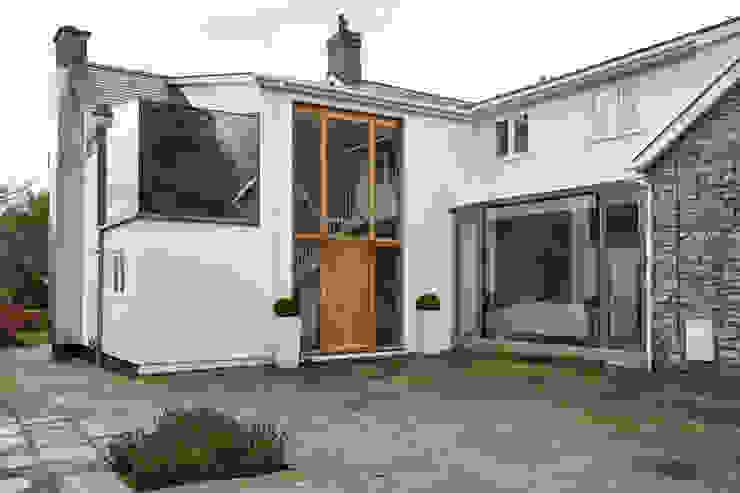 External photo Trombe Ltd Modern Houses