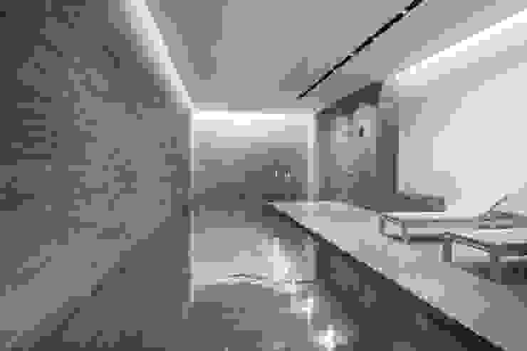Incredible CGI par Aqua Platinum Projects Moderne