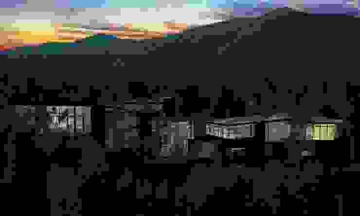 RESIDENCIA SELEKTO STUDIO Y HOME Casas modernas de TREVINO.CHABRAND | Architectural Studio Moderno