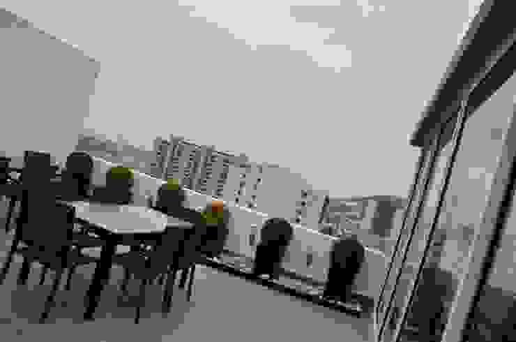 TORRE VISUM Balcones y terrazas modernos de TREVINO.CHABRAND | Architectural Studio Moderno