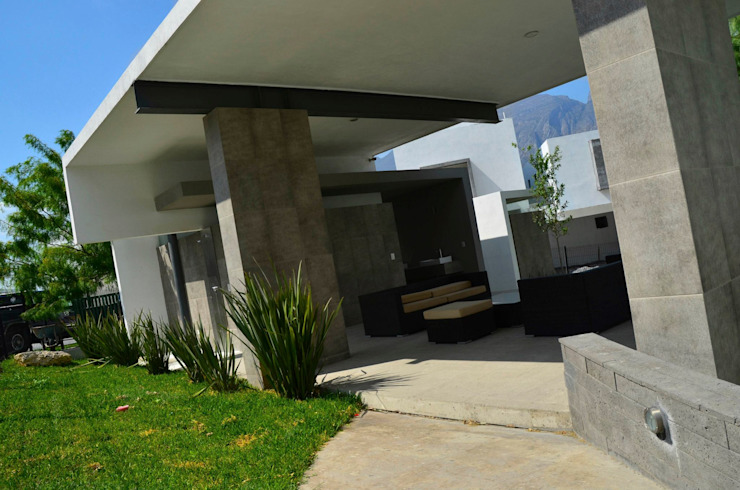 RESIDENCIA LAS MONTAÑAS Salones modernos de TREVINO.CHABRAND | Architectural Studio Moderno