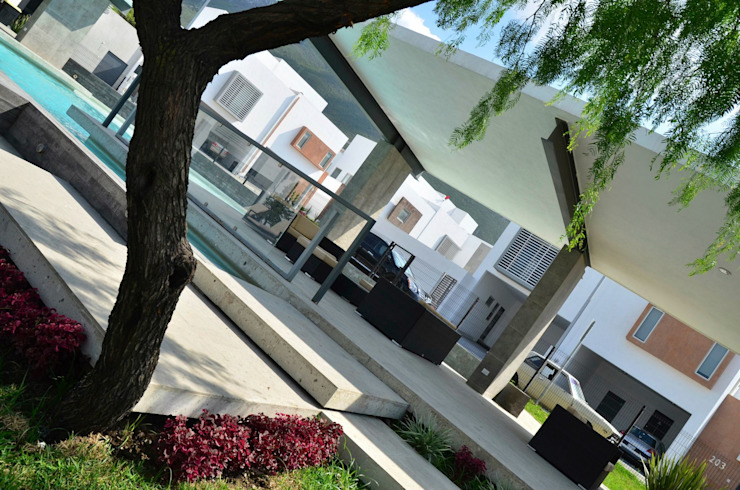 RESIDENCIA LAS MONTAÑAS Jardines modernos de TREVINO.CHABRAND | Architectural Studio Moderno