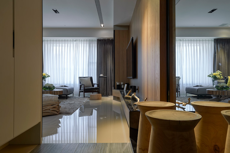 Modern corridor, hallway & stairs by DYD INTERIOR大漾帝國際室內裝修有限公司 Modern