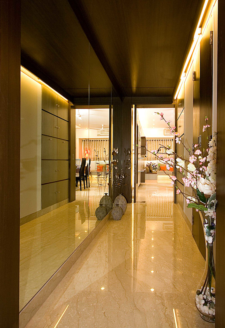 Residential Modern corridor, hallway & stairs by Sudhir Diwan and Associate Modern