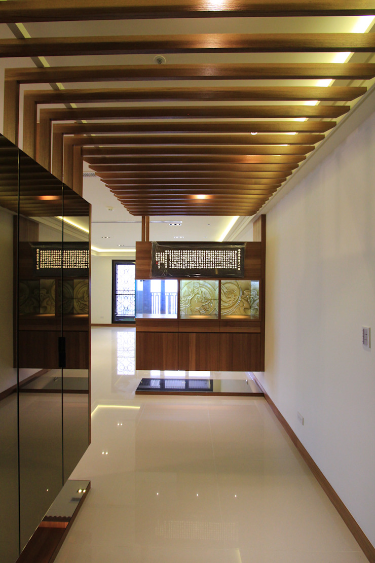林口區.世界首席.室內裝修案 亞洲風玄關、階梯與走廊 根據 東之光室內裝修設計有限公司 日式風、東方風