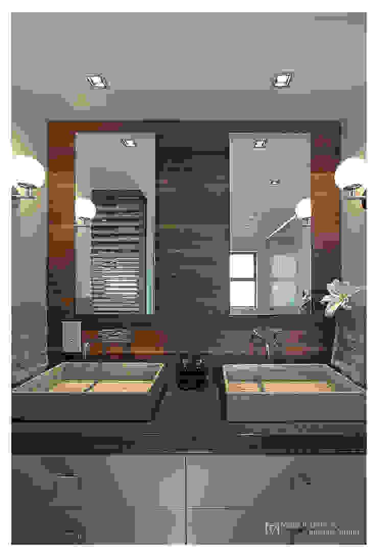 現代浴室設計點子、靈感&圖片 根據 Make Architects + Interior Studio 現代風