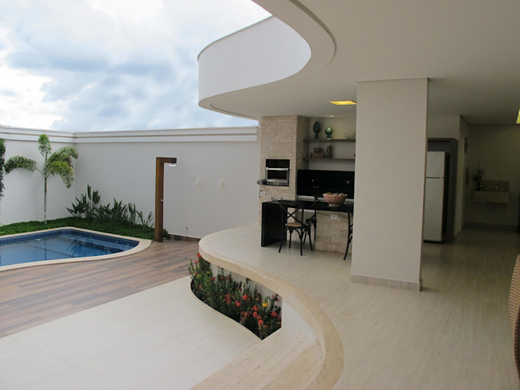 Cia de Arquitetura クラシカルな 庭