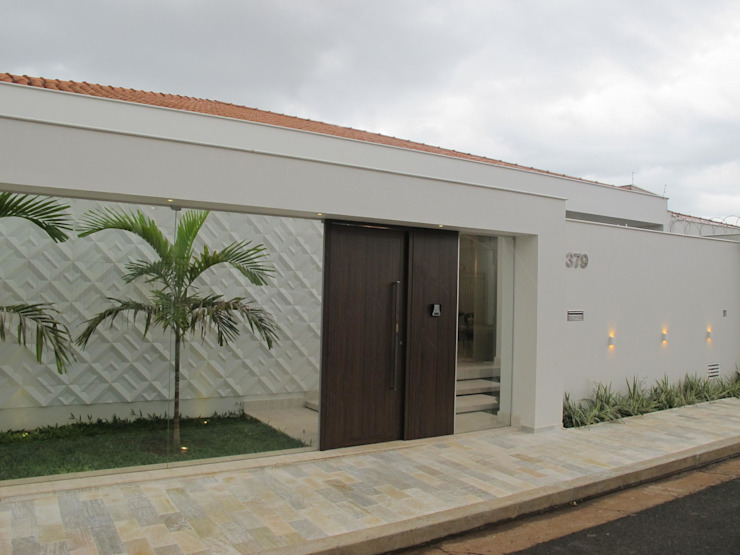 Classic style houses by Cia de Arquitetura Classic