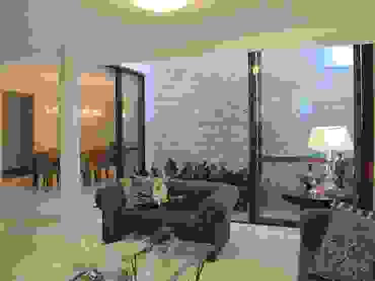 Salon de style  par Cia de Arquitetura, Classique