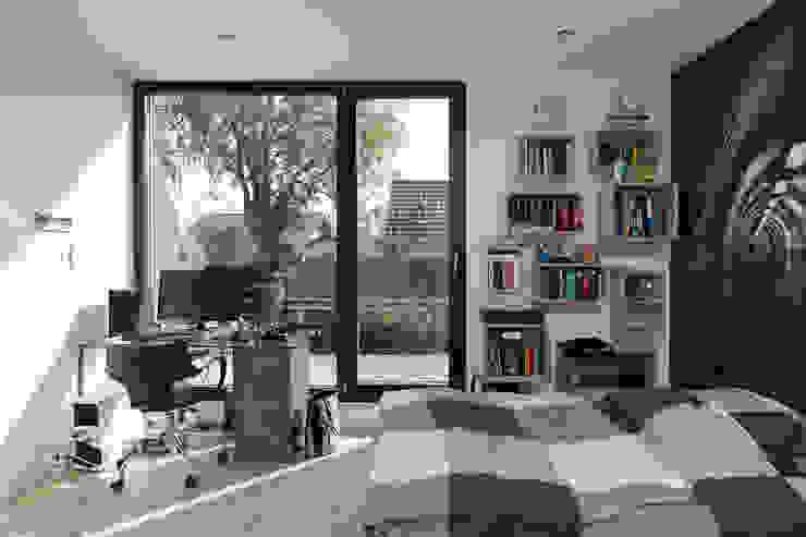 Dormitorios de estilo moderno de Pamela Kilcoyne - Homify Moderno