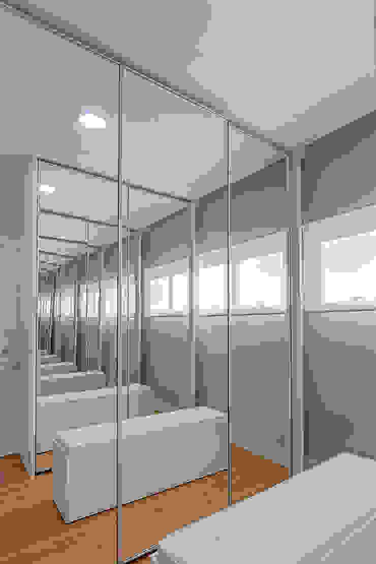 Modern dressing room by Arquiteto Aquiles Nícolas Kílaris Modern