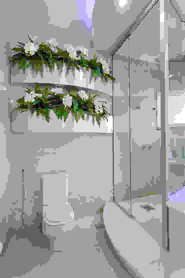 Modern bathroom by Arquiteto Aquiles Nícolas Kílaris Modern Marble